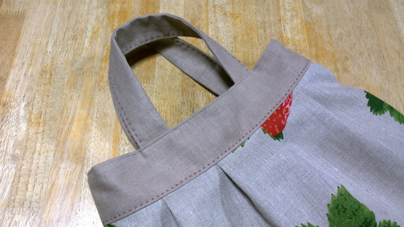 鎌倉スワニーの本掲載デザインバッグ●麻100%いちごのバッグ3