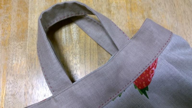 鎌倉スワニーの本掲載デザインバッグ●麻100%いちごのバッグ4