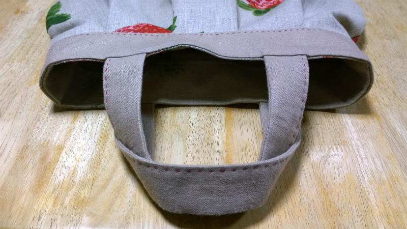鎌倉スワニーの本掲載デザインバッグ●麻100%いちごのバッグ8