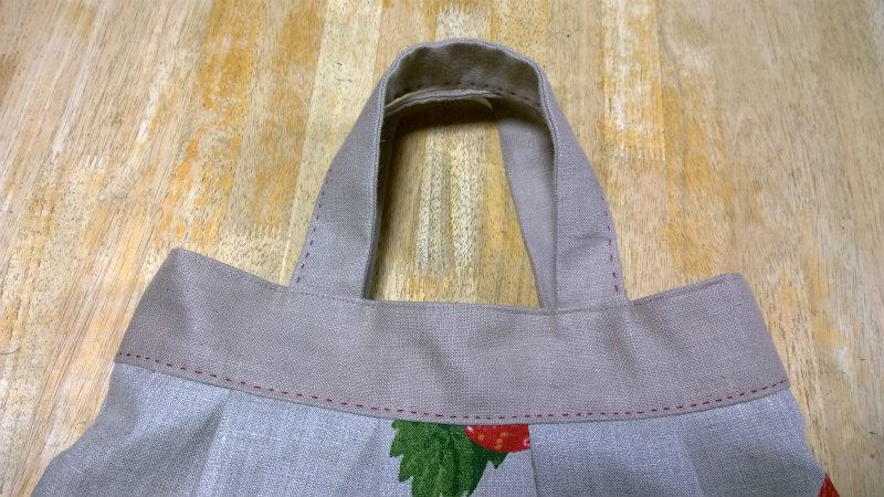 鎌倉スワニーの本掲載デザインバッグ●麻100%いちごのバッグ9